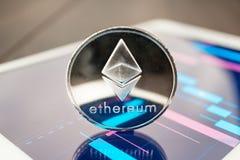 Cryptocurrency αιθέρα στην ταμπλέτα στοκ φωτογραφία με δικαίωμα ελεύθερης χρήσης