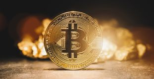 Cryptocurrency Bitcoin e monticello del imag d'oro di concetto di affari fotografia stock