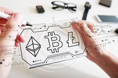Cryptocurrency - Bitcoin, Ethereum, Litecoin med en anteckningsbok royaltyfri bild
