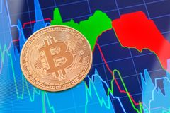 Cryptocurrency Bitcoin mynt över minnestavlaskärmen Royaltyfri Foto