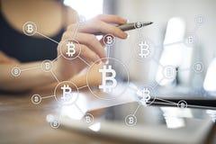 Cryptocurrency de Bitcoin Lancez le commerce, la technologie financière et le concept sur le marché numérique d'argent illustration de vecteur