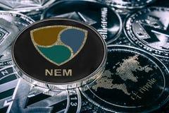 Cryptocurrency de pièce de monnaie PAS MENTIONNÉ AILLEURS contre les alitcoins principaux images stock