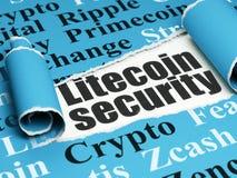 Cryptocurrency-Konzept: schwarze Text Litecoin-Sicherheit unter dem Stück des heftigen Papiers Lizenzfreie Stockfotografie