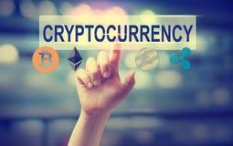 Cryptocurrency mit dem Handpressen ein Knopf Lizenzfreie Stockfotografie
