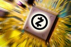 Cryptocurrency och blockchain - finansiella teknologi- och internetpengar - bryta och mynt ZCASH ZEC för strömkretsbräde fotografering för bildbyråer