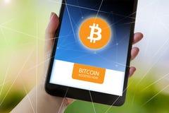 Cryptocurrency virtual de Bitcoin do dinheiro - Bitcoins aceitado aqui imagens de stock