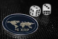 Cryptocurrency XRP da moeda e dados de rolamento imagens de stock