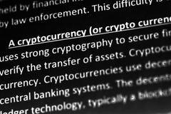 Cryptocurrencyverklaring of beschrijving in woordenboek of artikel Sluit omhoog met nadruk op cryptocurrency royalty-vrije stock afbeelding