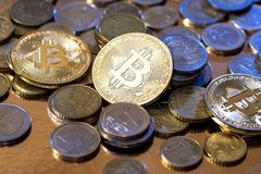 cryptographie des bitcoins d'or image stock