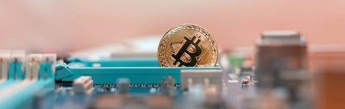Cryptoindustry Mineração do dinheiro digital, bitcoin foto de stock royalty free