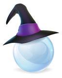 Crystal Ball y sombrero de las brujas stock de ilustración