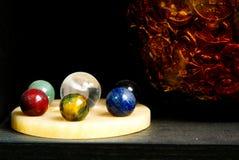 Crystal Balls para seu Feng Shui Interior Decor home fotos de stock royalty free