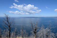 Crystal Blue Lake arkivfoton