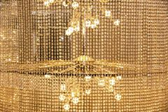 Crystal Chandelier contemporáneo Ciérrese para arriba en el cristal de un co imagen de archivo