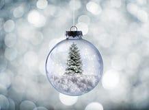 Crystal Christmas-bal royalty-vrije stock afbeeldingen