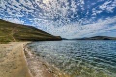 Crystal Clear Lake Baikal i Ryssland royaltyfria foton