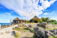 Crystal Cove is een klein eiland dat de hop van het toeristeneiland aantrekt stock afbeelding