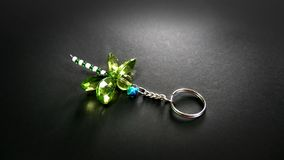 Crystal Dragonfly Key Chain vert Images libres de droits