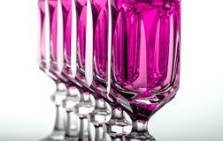 Crystal exponeringsglas med rosa vätska Royaltyfria Foton