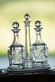 Crystal Glassware na bandeja fotografia de stock royalty free