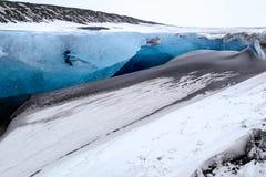 Crystal Ice Cave près de Jokulsarlon photos stock