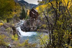 Crystal Mill famoso na queda, Colorado fotos de stock royalty free