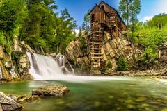 Crystal Mills Waterfall im Marmor, Colorado Stockbilder