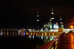 Crystal Mosque i Terengganu, Malaysia på natten Arkivfoto