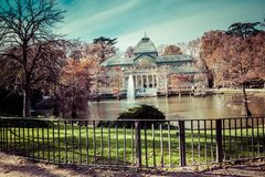Crystal Palace (cristal Palacio de) i Retiro parkerar, Madrid, Spanien Arkivbilder
