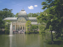 Crystal Palace i Retiro parkerar royaltyfria bilder