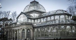 Crystal Palace (Palacio de Cristal) i Parque del Retiro i Madr Arkivfoton