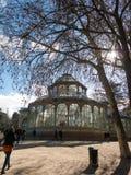 Crystal Palace Palacio de cristal no parque de Retiro, Madri, Espanha imagens de stock