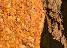 Crystal Plate On Rock Lizenzfreie Stockbilder