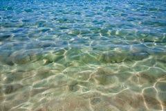 Crystal rent havsvatten Arkivbild