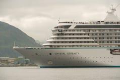 Crystal Serenity Departing Dutch Harbor stock foto