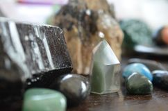Crystal Towers, heilender Crystal Grids, Hexerei, Crystal Spreads, Quarz, Wiccan, ändert, Wicca stockfotografie