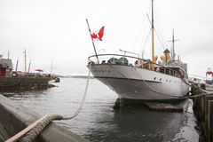Css-Acadia var den första skytteln som planlades och byggdes specifikt för att granska Canada's nordligt vatten; Arkivbild