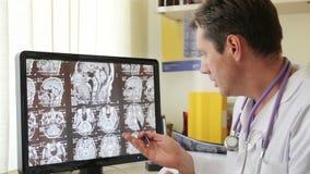 CT van artsenDescribes aftasten stock footage