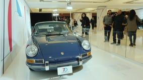 CToronto, Kanada, am 20. Februar 2018: AR-Geschichte - ein Retro- Auto Porsche An der Weltautomobilausstellung in Toronto stock video footage