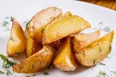 Cuñas fritas de la patata Foto de archivo