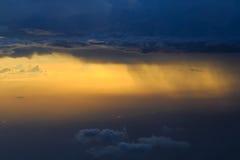 Céu da nuvem chovendo Imagem de Stock