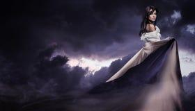 Céu nebuloso escuro Imagem de Stock
