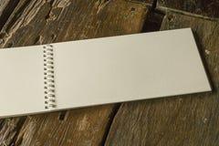 Cuaderno abierto del espacio en blanco del vintage Foto de archivo libre de regalías