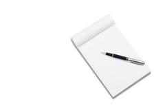 Cuaderno blanco con la pluma con estilo Fotos de archivo