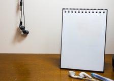 Cuaderno blanco en blanco Fotos de archivo libres de regalías