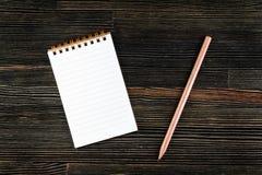 Cuaderno con el lápiz Imagenes de archivo