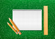 Cuaderno con el lápiz y trazador de líneas en estilo realista en fondo verde con los ejemplos del garabato de la escuela Dise?o d stock de ilustración