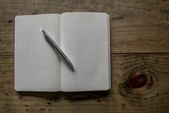 Cuaderno de cuero negro Fotografía de archivo libre de regalías