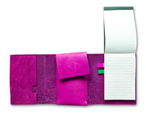 Cuaderno de cuero púrpura del caso aislado Fotos de archivo libres de regalías