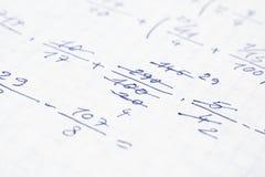 Cuaderno de la escuela con ecuaciones matemáticas Fotografía de archivo